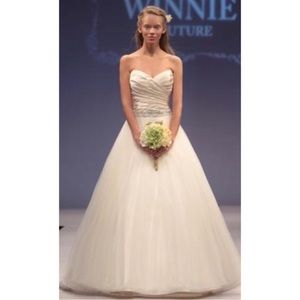 Jeanette Wedding Gown